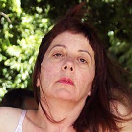 Lesley Perkes Headshot