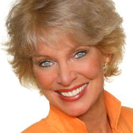 Janet Lapp Headshot