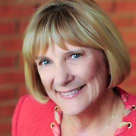 Susan Reynolds Headshot