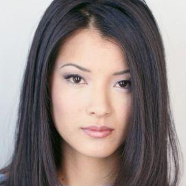 Kelly Hu Headshot