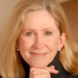 Dr. Moira Gunn Headshot