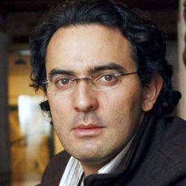 Juan Gabriel Vásquez Headshot