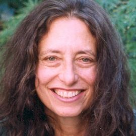 carol gilligan the gender factor Ported carol gilligan's  nificant and the protagonist's gender in the heinz dilemma had no effect  gender differences in moral development  development,.