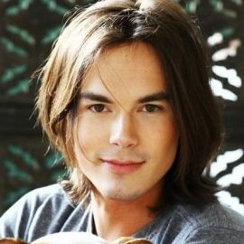 Tyler Blackburn Headshot
