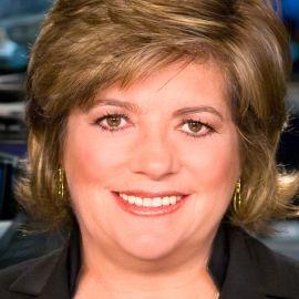 Lisa Myers Headshot
