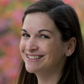 Sarah Dessen Headshot