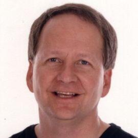 Mark Strauss Headshot