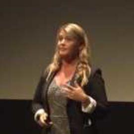 Lisa Christensen Headshot