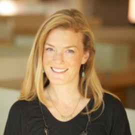 Samantha Skey Headshot