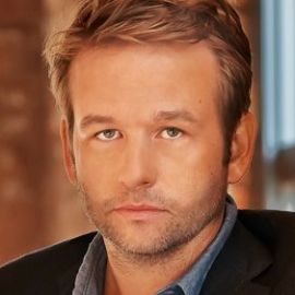 Dallas Roberts Headshot