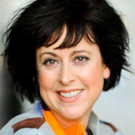 Leanne Kaiser Carlson Headshot