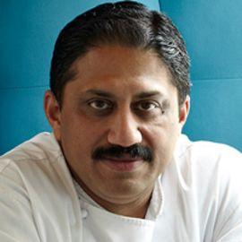 Vikram Sunderam Headshot