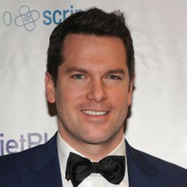 Thomas Roberts Headshot