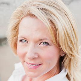 Stephanie Wagner Headshot