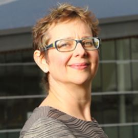 Janet Echelman Headshot