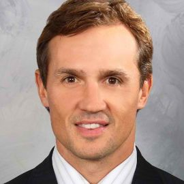 Steve Yzerman Headshot