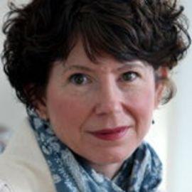 Paula McLain Headshot