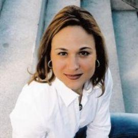 Wyndi Marie Anderson Headshot