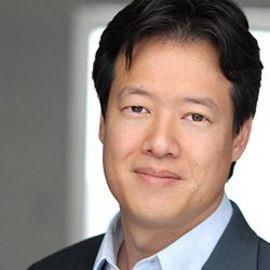 Victor W. Hwang Headshot