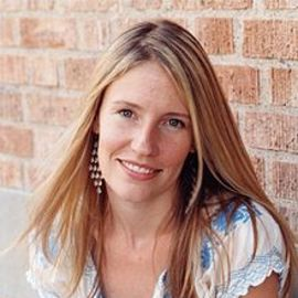 Jennifer Baumgardner Headshot