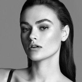 Myla Dalbesio Headshot