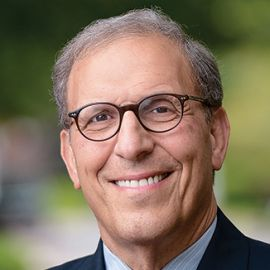 Len Schlesinger Headshot