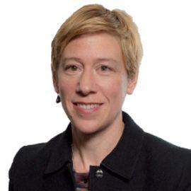 Julie Sunderland Headshot