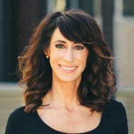 Melissa Hartwig Headshot