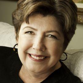 Mary Kay Andrews Headshot