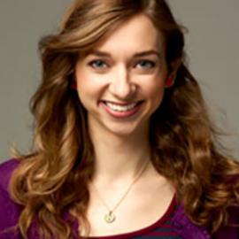 Lauren Lapkus Headshot