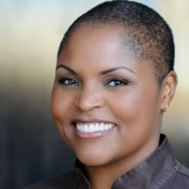 Tanya Holland Headshot