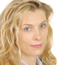 Cassie Kolyda Headshot