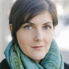 Erika Swyler Headshot
