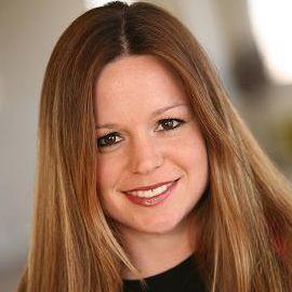Amber Tozer Headshot