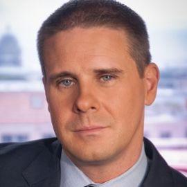 Dan Pfeiffer Headshot