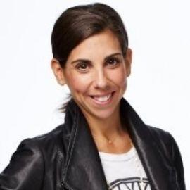 Melanie Whelan Headshot