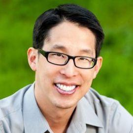 Gene Luen Yang Headshot