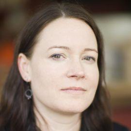 Lisa Lutz Headshot