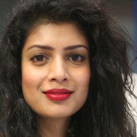 Tina Desai Headshot
