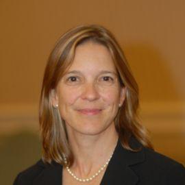 Dr. Lucie Bruijn Headshot