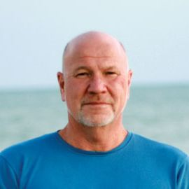 Randy Wayne White Headshot