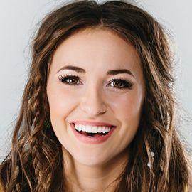 Lauren Daigle Headshot