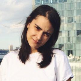 Naomi Zeichner Headshot