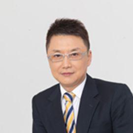 Dong Wang Headshot