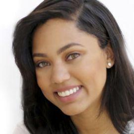 Ayesha Curry Headshot