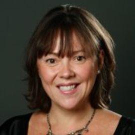 Amy Curtis-Mcintyre Headshot