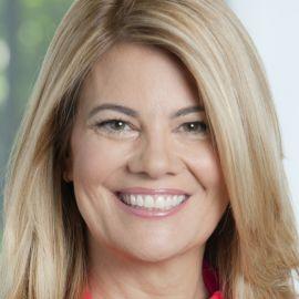 Lisa Whelchel Headshot
