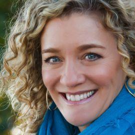 Allison Massari Headshot