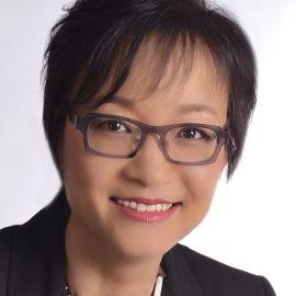 Ruth Chang Headshot
