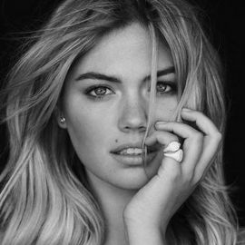 Kate Upton Headshot